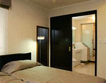 寝室と水廻りの近接